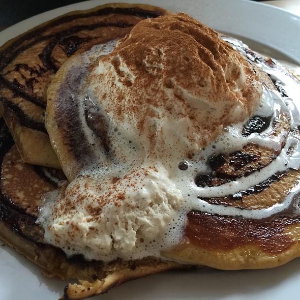 Pumpkin Spice & Cinammon Swirl Pancakes
