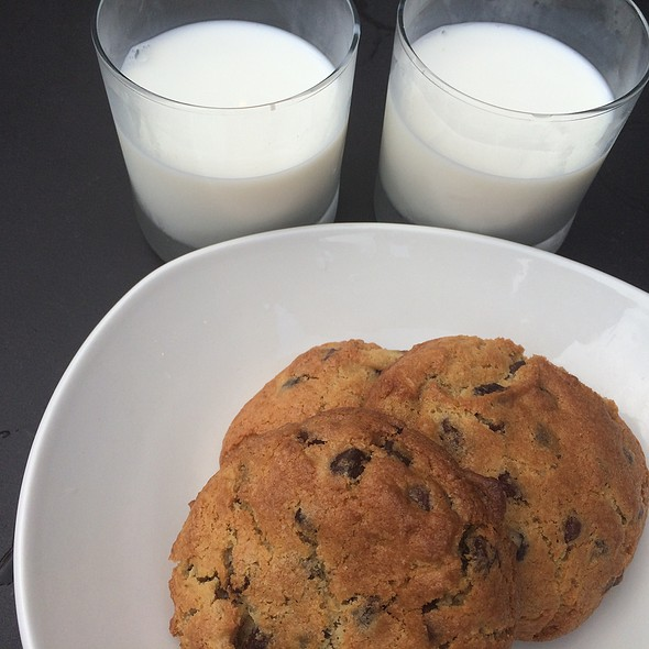 Milk & Cookies @ Black's Market Table
