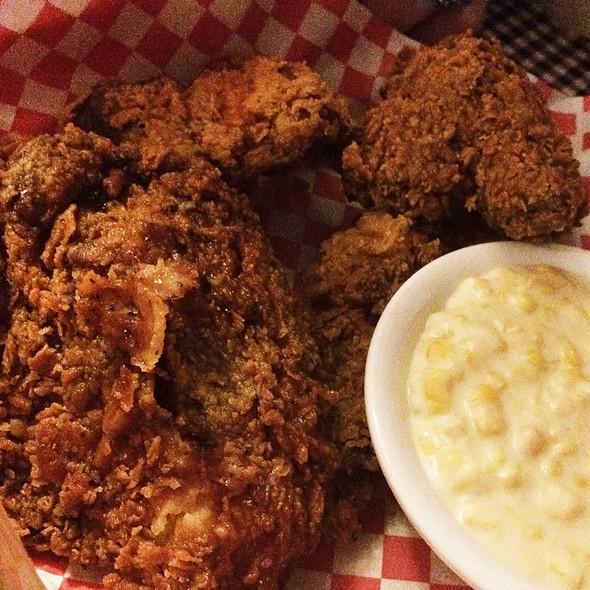 fried chicken @ Royer's Round Top Cafe