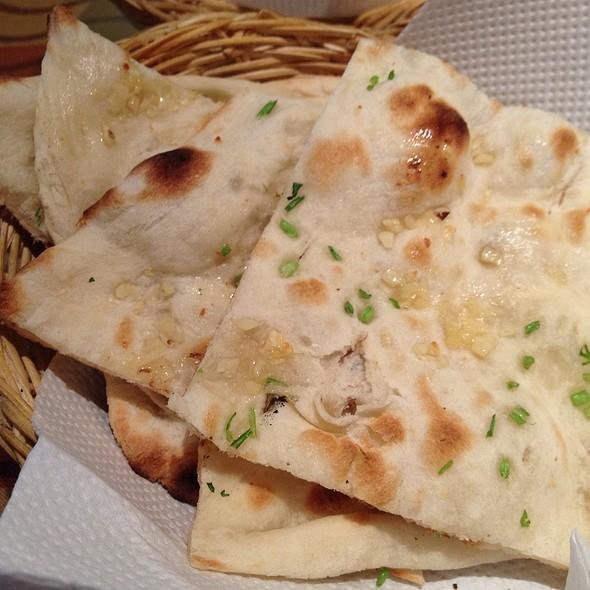 garlic naan @ Sree Indian Palace