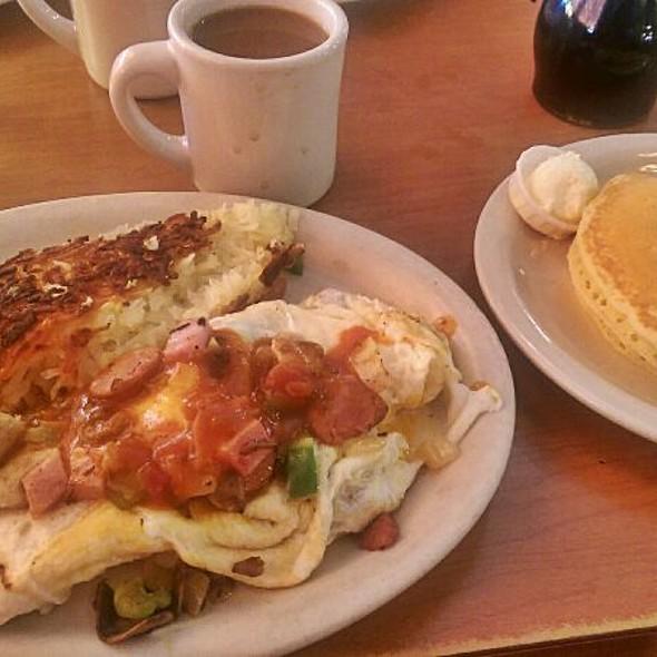 Supreme Omelette @ Millbrae Pancake House