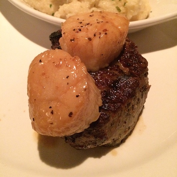 Surf And Turf- Filet And Scallops @ Hennen's