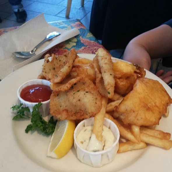 Combo And Chips @ Sea Harvest Fish Market-Restaurant