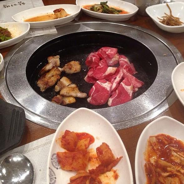 Korean BBQ @ Hahm Ji Bach