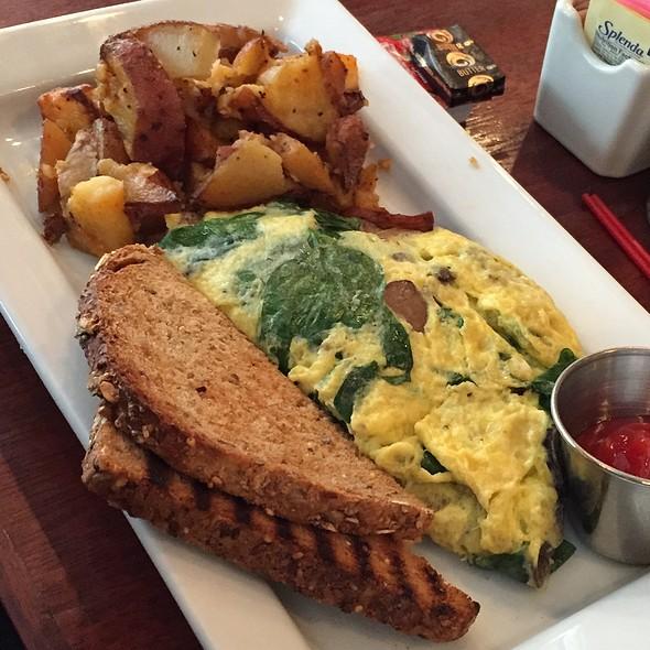 Crimini Mushroom Omelette - Marathon - 16th & Sansom, Philadelphia, PA