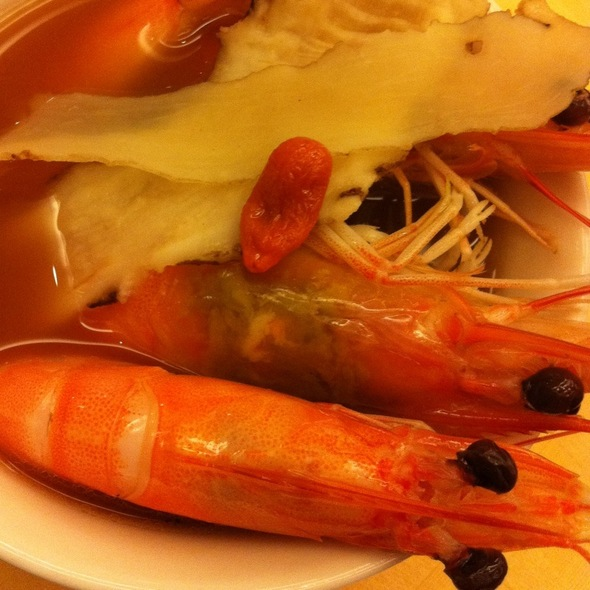 Drunken Fresh Prawns In Claypot @ Seafood Paradise