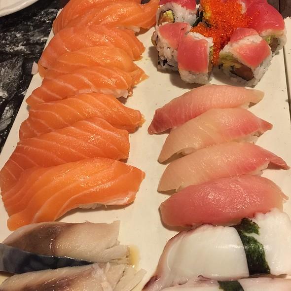 Sushi @ Kenzo Sushi