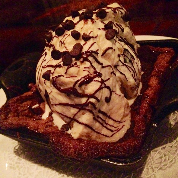 Half Baked Cookie With Ice Cream - The Tavern Kitchen & Bar - West, St. Louis, MO
