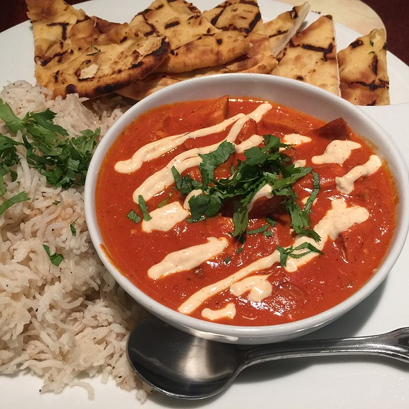 Butter Chicken With Naan @ Elephant & Castle.