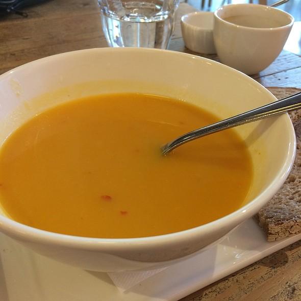 Spicy Coconut Squash Soup @ Vlaamsch Broodhuys R'dam Nwe Binnenweg