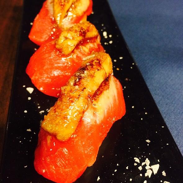 Nigiri Sushi De Ventresca De Atún Con Foie, Reducción De Pedro Ximénez @ Blue Finn