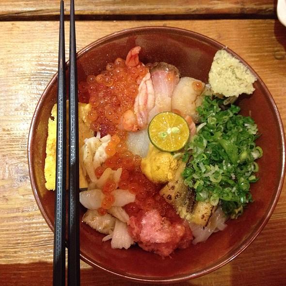 特選綜合海鮮丼 | Special Selection Combination Seafood Chirashi @ 瞞著爹三店