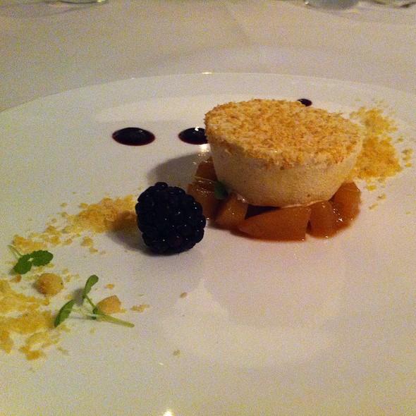 Dessert @ Mezzo Restaurant & Kamers
