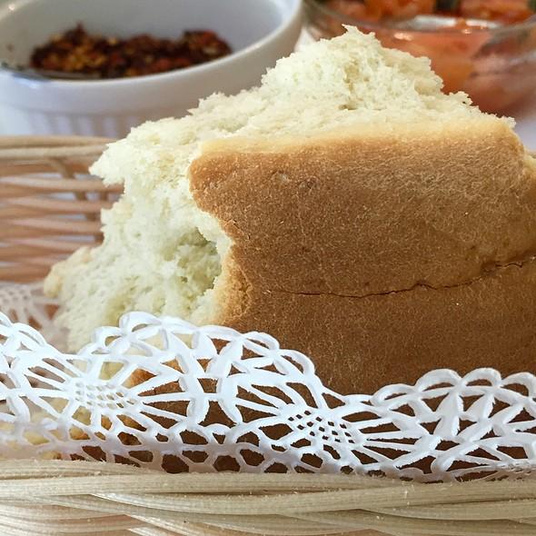 Bread - Caffe Vialetto, Coral Gables, FL