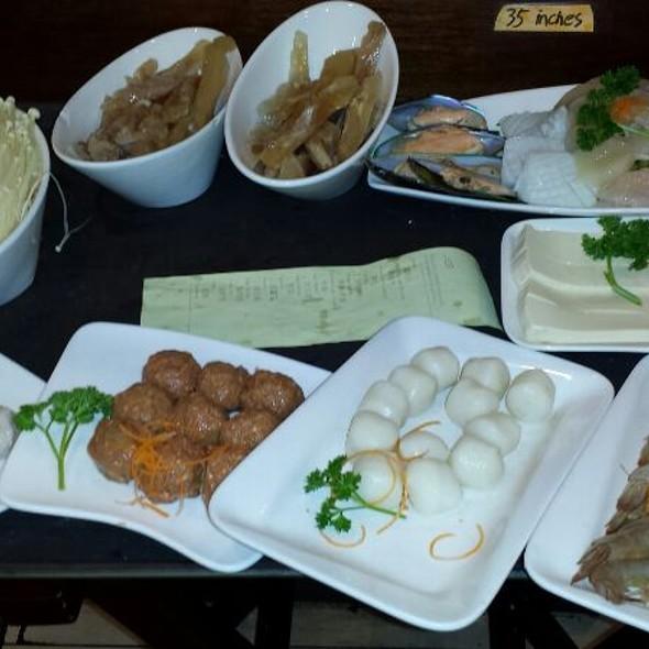 seafood platter, tofu, shrimp heads