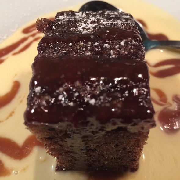 Sticky Toffee Pudding @ Peckish Pig