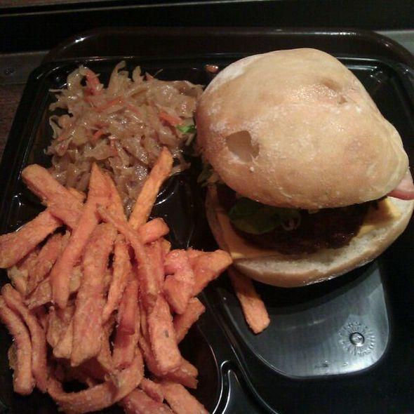 Schnitz Burger @ Schnitzel & Things