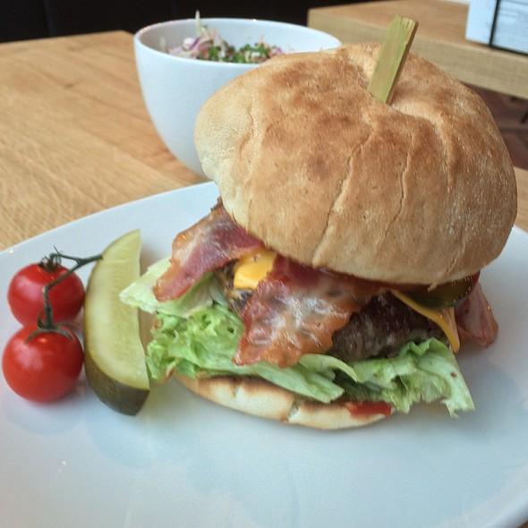 Meatlover Burger By Dierendonck @ Ellis Gourmet Burger