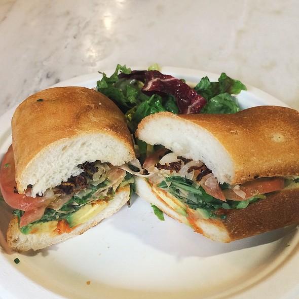 Vegetarian sandwich @ Sama-Zama
