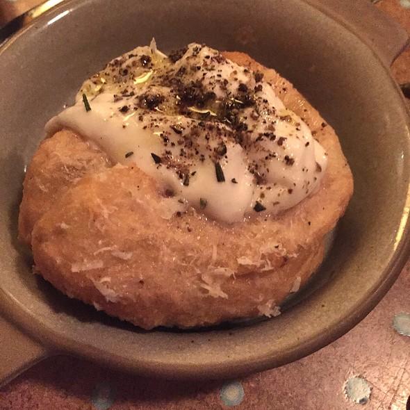 Fried Garlic Bread With Burrata
