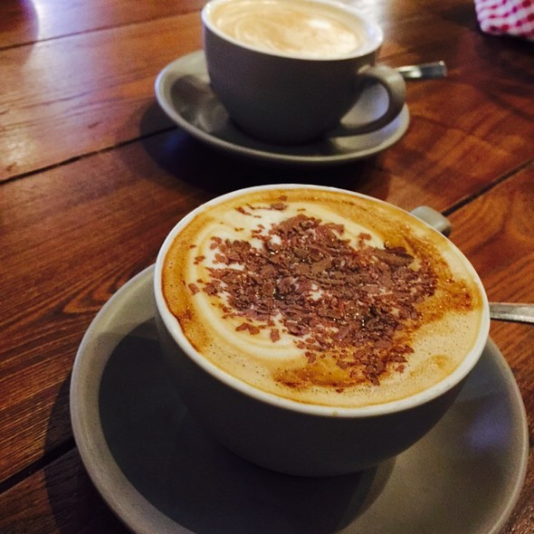 Skinny Cappuccino @ Cowch