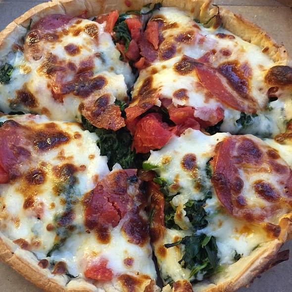 Deep Dish Pizza @ Reggio's Pizza Express