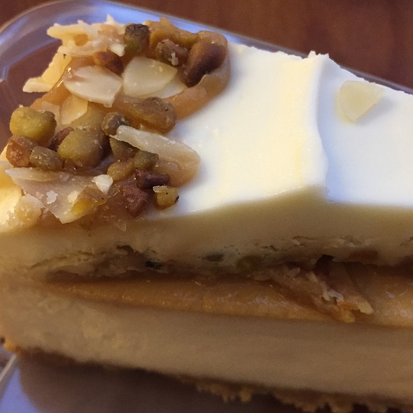 Honey Mediterranean Cheesecake @ Eli's Cheesecake Cafe at O'Hare Airport
