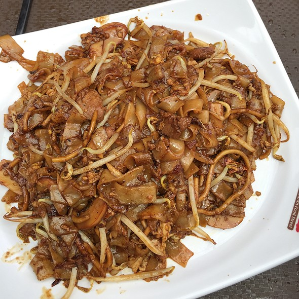 Fried Noodles With Chicken @ Smith St