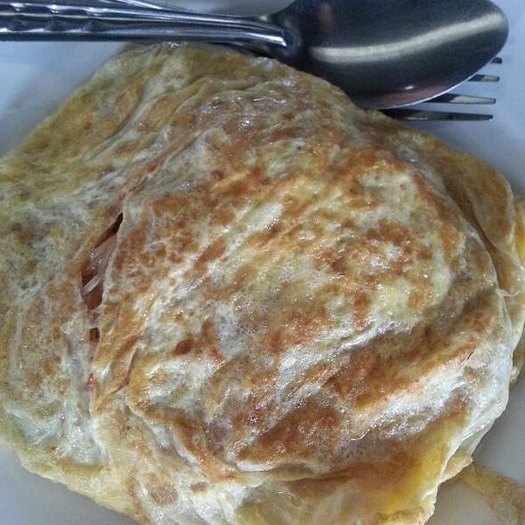 ก๊วยเตี๋ยวผัดไทยห่อไข่   Pad Thai In Egg Wrap @ สุโขทัย
