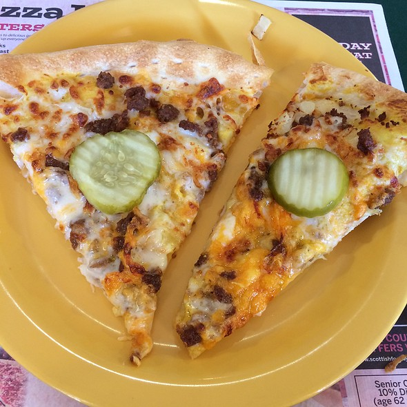 Bacon Cheeseburger Pizza @ Pizza Inn