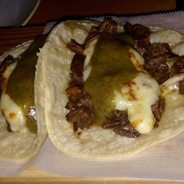 Tacos Bien Trucha - A Toda Madre, Glen Ellyn, IL