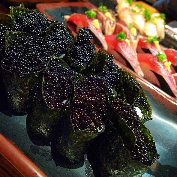 Tobiko Nigiri Sushi House Goyemon Me...