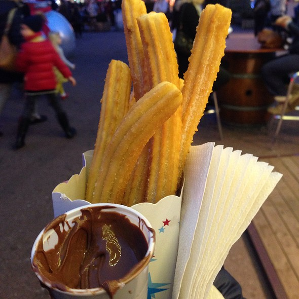 Churros And Nutella @ Marché De Noël Monaco