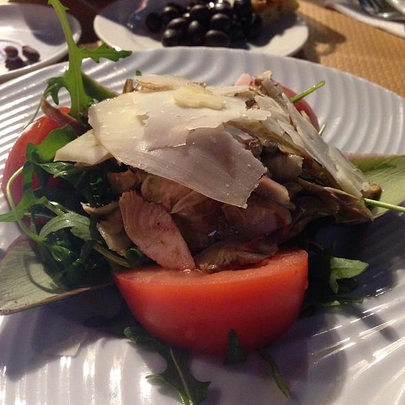 Salade de coeurs d'artichauts et champignons de Paris, tout simplement en vinaigrette @ Le Safari