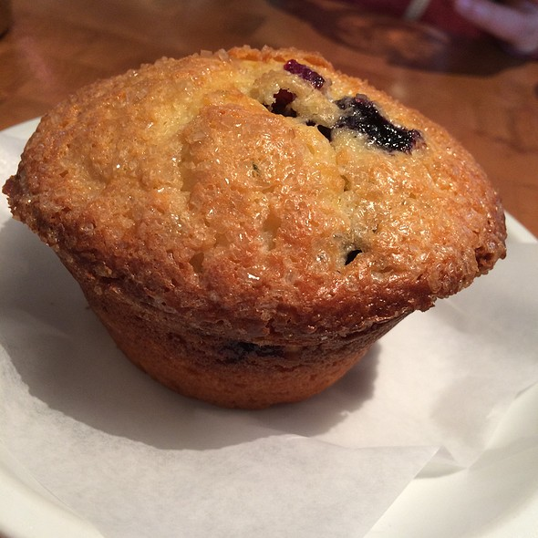Blueberry Muffin @ Commonwealth Cafe