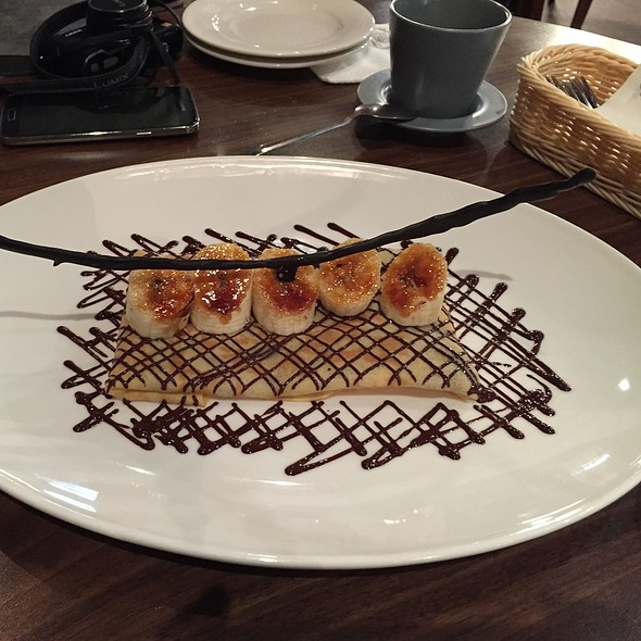 Banana Crepes With Hazelnut Chocolate Sauce & Banana Ice-Cream  @ Eating Time