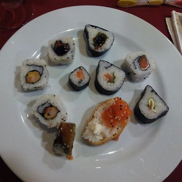 Sushi @ Wok Shui Jing Gong