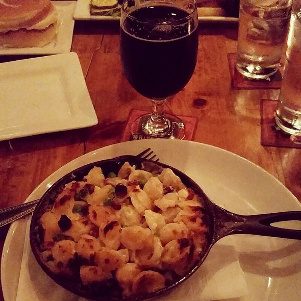 Mac and Cheese @ The Publick House Beer Bar and Kitchen