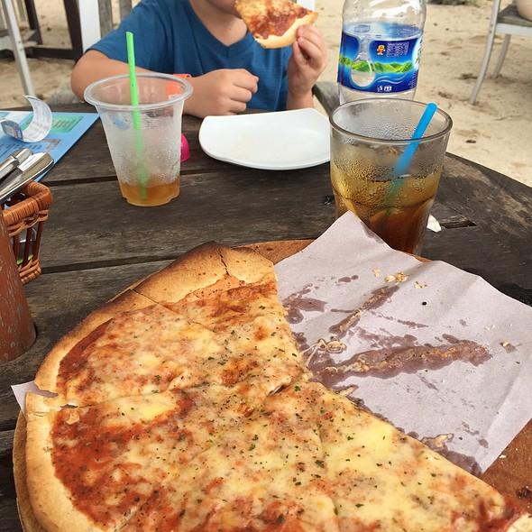 Pizza @ Bora Bora Beach Bar