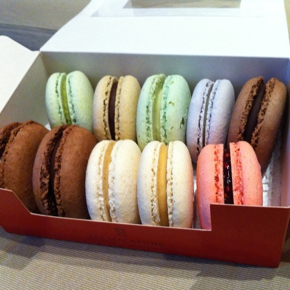 Macarons @ la bourgogne