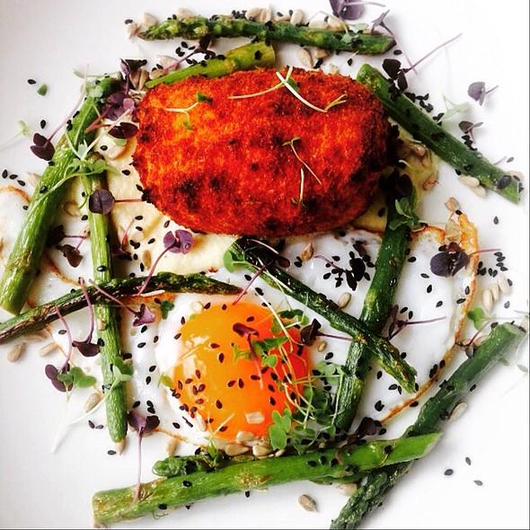 Leek Bubble & Squeak, Duck Egg, Asparagus @ Orto Trading Co