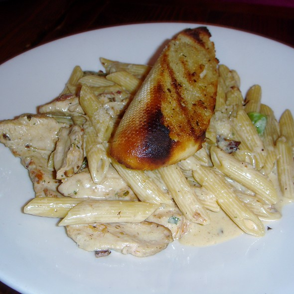 Chicken Fettucine - Flatiron Kitchen and Taphouse, Davidson, NC