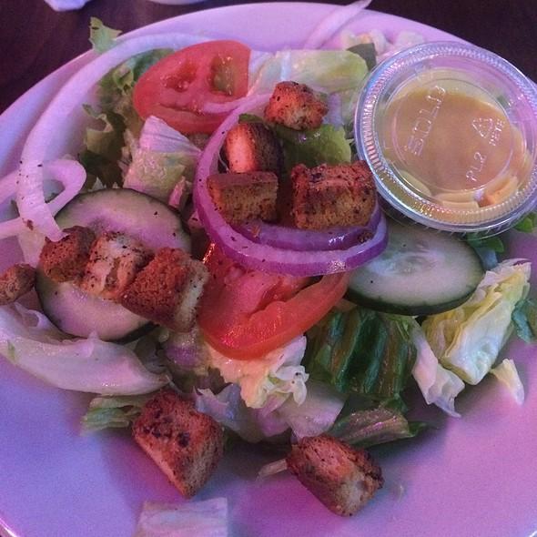 Garden Salad With Honey Mustard Dressing @ Chicagos Italian Beef