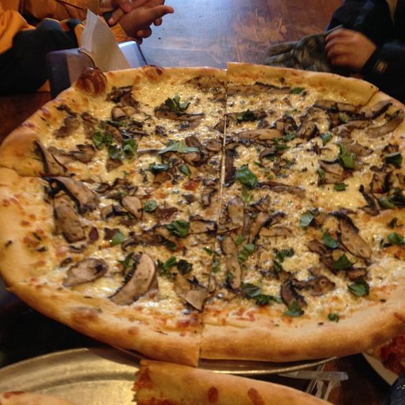 Verdue E Funghi @ Supino Pizzeria