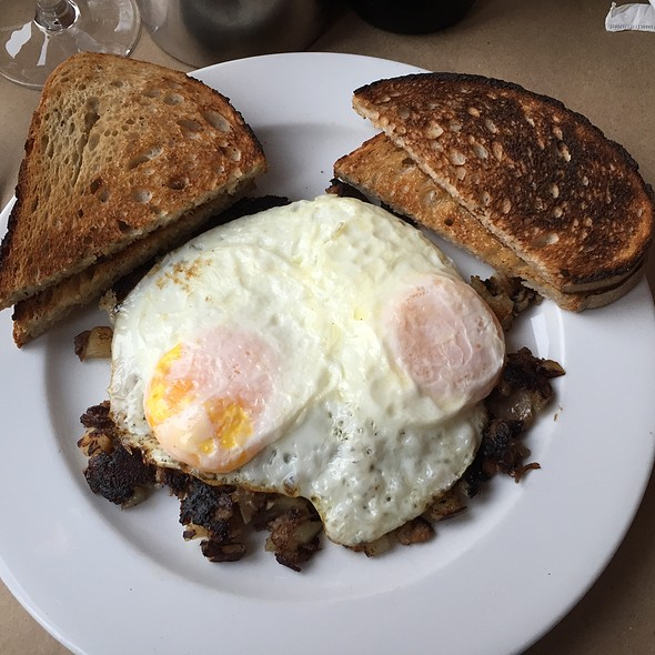 Short Rib Hash and Eggs - Stone Park Cafe, Brooklyn, NY