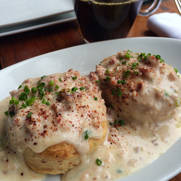 Manchego Biscuits With Bacon Gravy