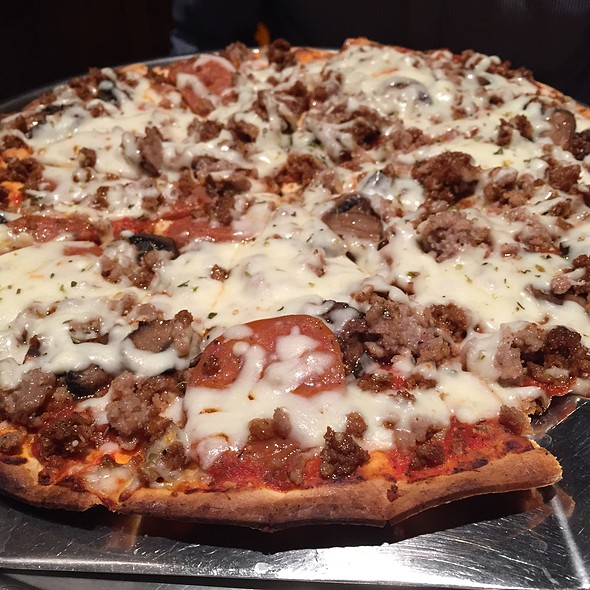 Three Sausage Pizza @ Axel's Bonfire - MSP Airport