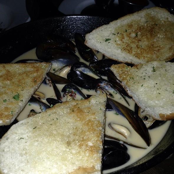 Moules Frites - Bonnie Ruth's Cafe et Patisserie, Frisco, TX