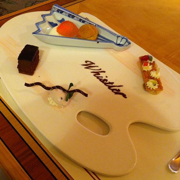 Palette de desserts @ Cafe Flora