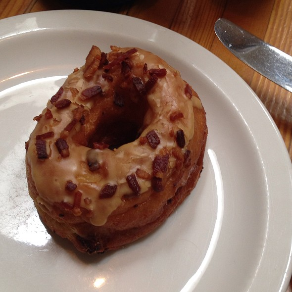 Maple Bacon Donut @ Starbelly